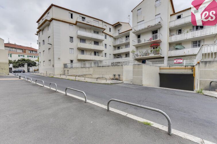 location parking Champ de Mars - Béziers