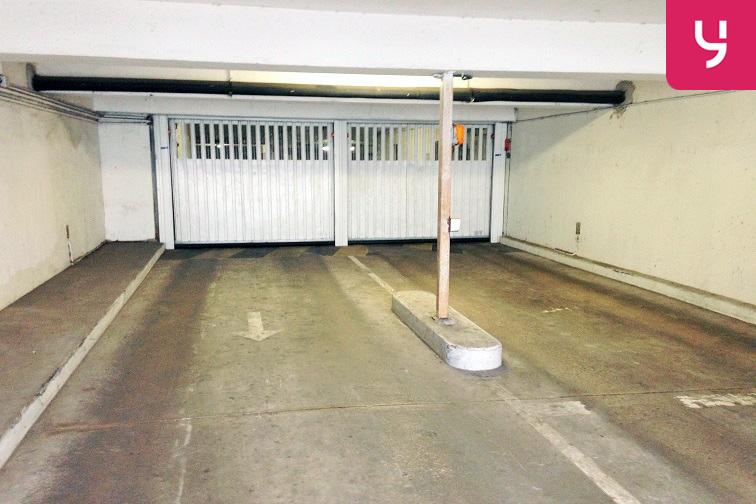 Parking Clos Nollet garage