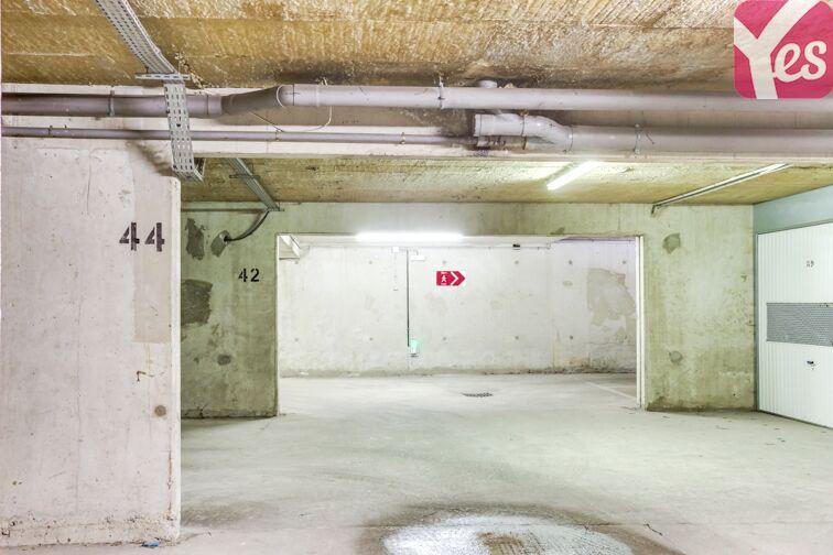 Parking Gare RER de Roissy-en-Brie en location