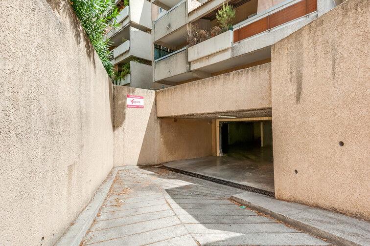 Parking La Pomme - Gare sécurisé