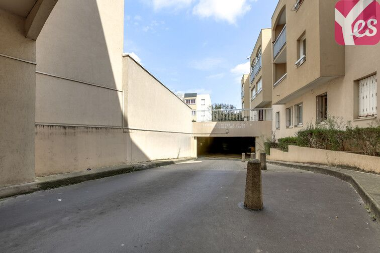 Parking Commandant Baroche - Le Bourget Le Bourget