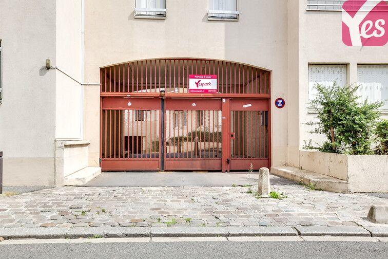 Parking Commandant Baroche - Le Bourget garage