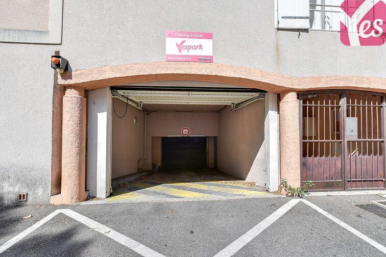 Parking Le Pontet garage