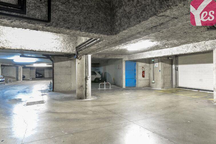 Parking Centre-ville - Bollène 50 Rue de la Paix