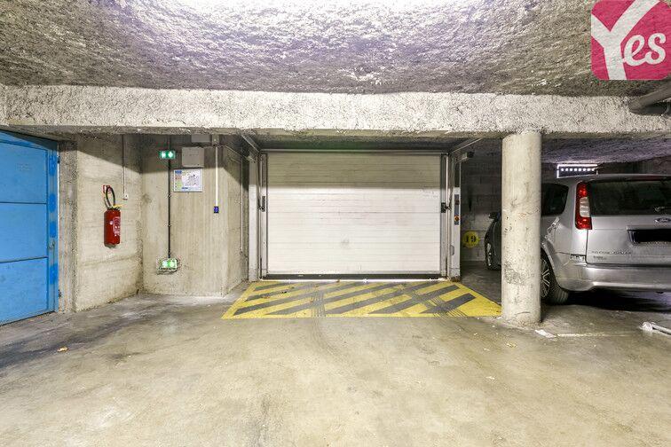 Parking Centre-ville - Bollène sécurisé