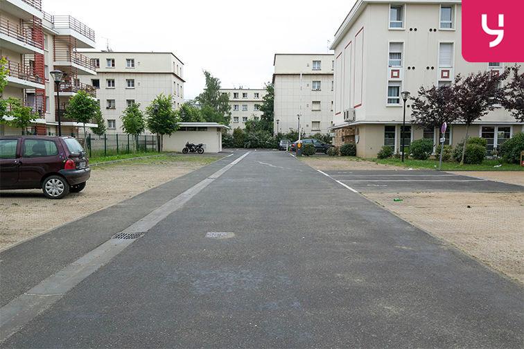 Parking Aéroport du Bourget - Blanc-Mesnil (aérien) 158 avenue du 8 mai 1945