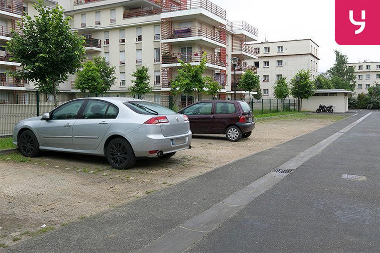 Parking Aéroport du Bourget - Blanc-Mesnil (aérien) 24/24 7/7