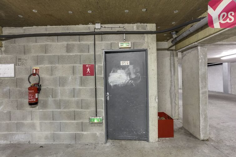 Parking Yves Louvigné - Bourg-l'Evêque - Rennes à louer