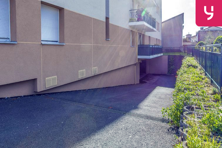 location parking Mairie - Saint-Priest-en-Jarez