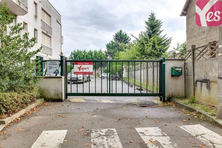 Parking Centre-ville - Jaurès - Gare - Trappes à louer