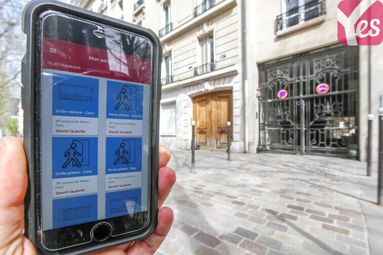 Ouvrez la porte du parking avec votre smartphone et l'application Yespark