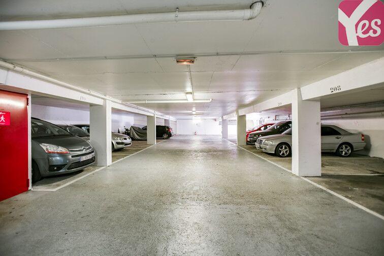Parking Le Pas du Lac - Montigny-le-Bretonneux 78180