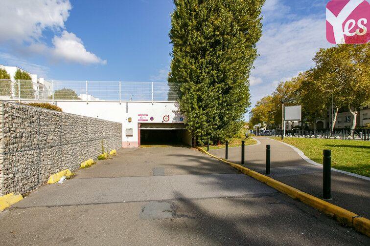 Parking Le Pas du Lac - Montigny-le-Bretonneux sécurisé