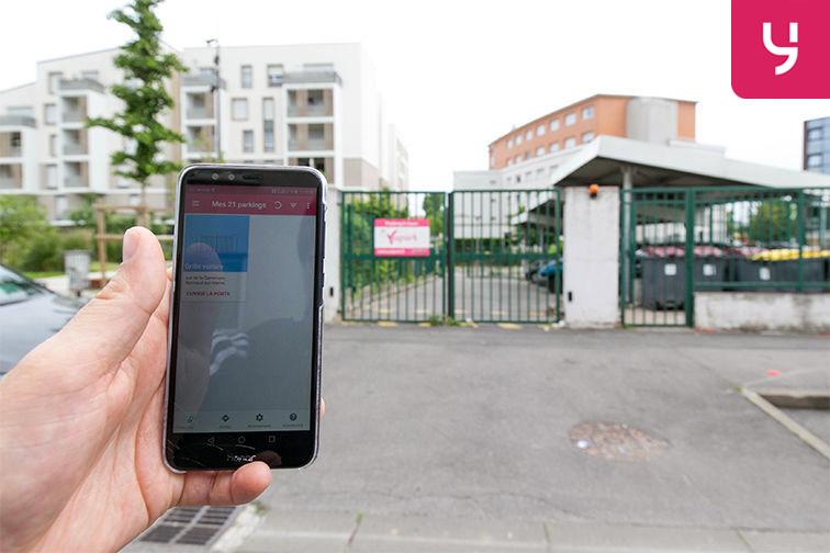 Parking Carrefour du Général de Gaulle - Bonneuil-sur-Marne (aérien) rue de la Commune