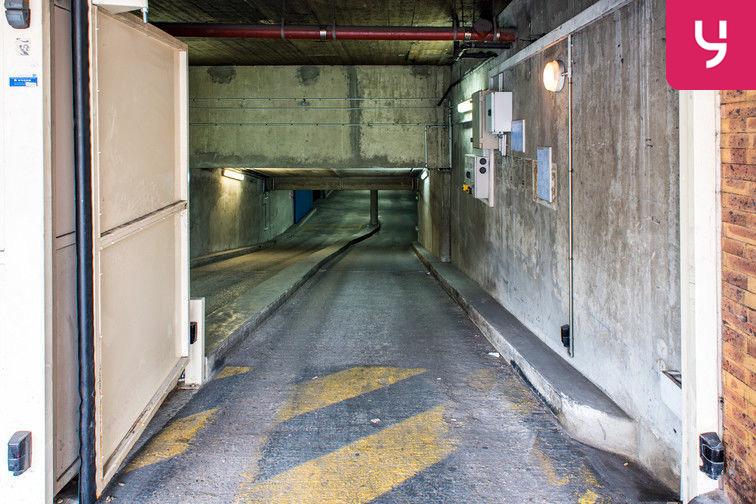 Parking Colonel Fabien - Quai de Jemmapes (place double) box