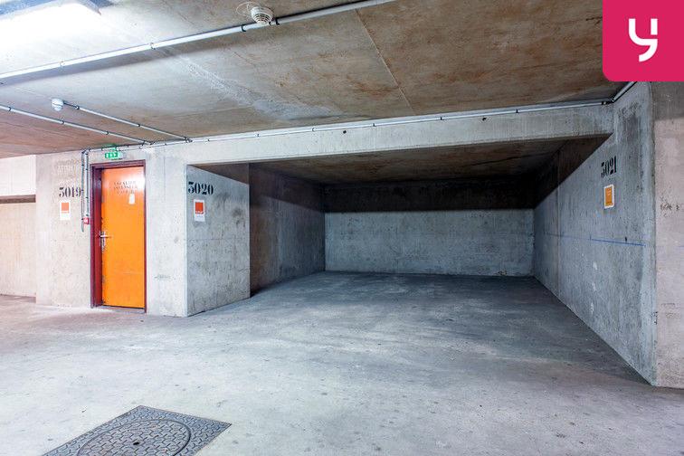 Parking Colonel Fabien - Quai de Jemmapes (place double) 24/24 7/7