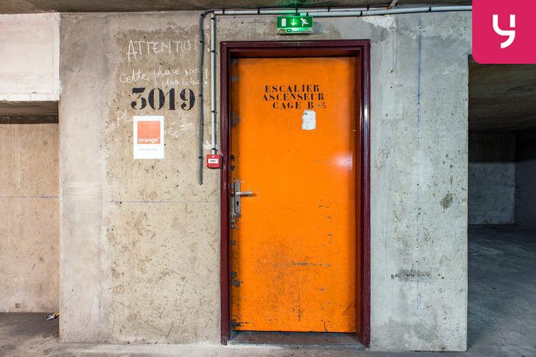 Parking Colonel Fabien - Quai de Jemmapes (place double) en location