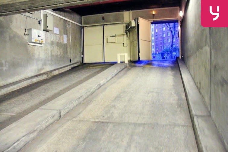 location parking Colonel Fabien - Quai de Jemmapes - Places doubles