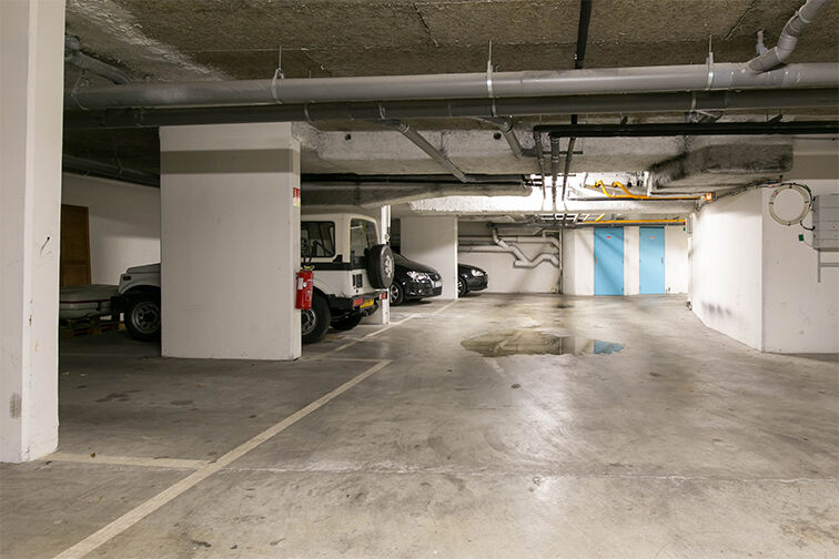 Parking Belleville - Saint-Louis - Paris 10 gardien