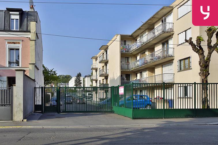 Parking Jean Jaurès - Henri Barbusse (aérien) location