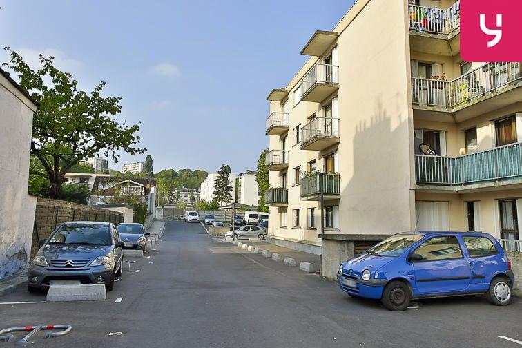 Parking Jean Jaurès - Henri Barbusse (aérien) en location