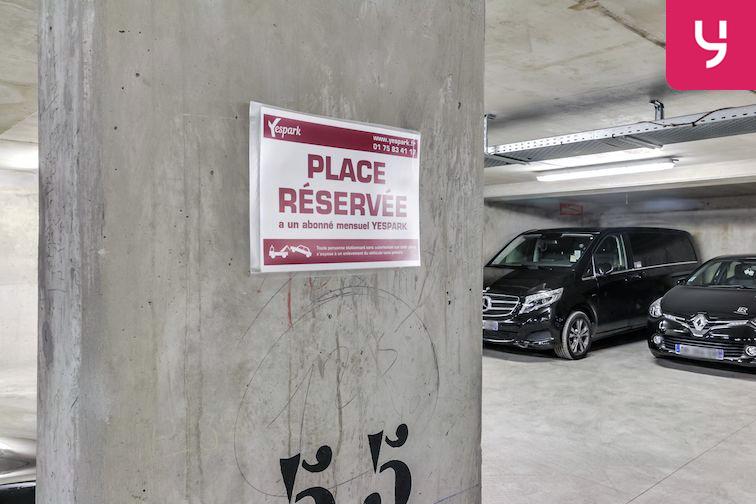 Parking Le Bourget - RER location