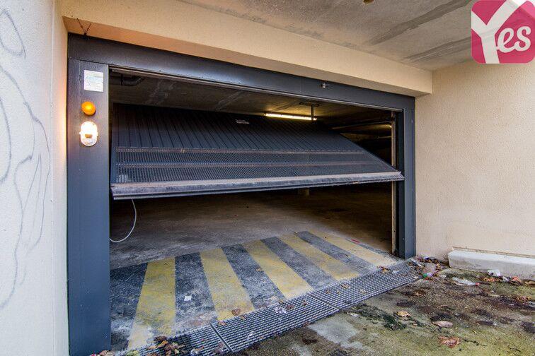 Parking Mairie - Le Plessis-Belleville garage
