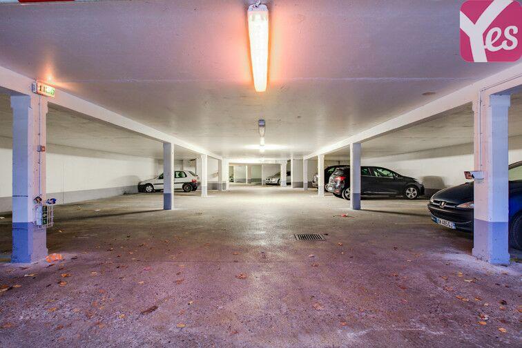 Parking Les Hauts-de-Cergy - Cergy garage