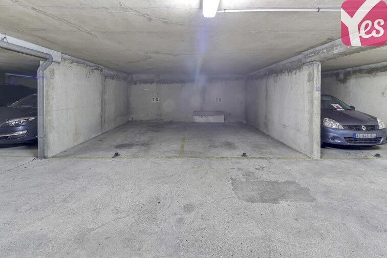 Le parking souterrain est lumineux et bien entretenu