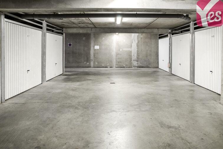 Parking souterrain lumineux