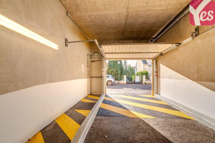 Parking Mairie - Verrières-le-Buisson 91370