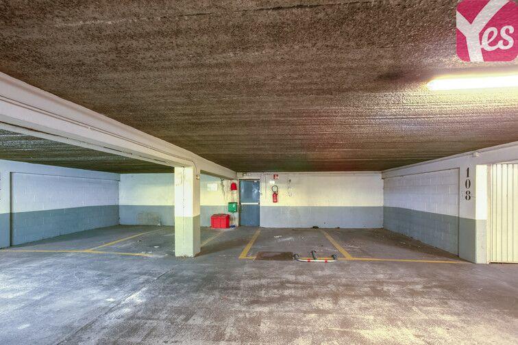 Parking Le Gandouget - Les 4 Arbres - Les Coudrays - Élancourt location