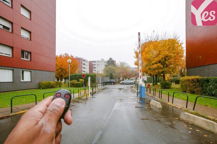 Parking Le Gandouget - Les 4 Arbres - Les Coudrays - Élancourt 78990