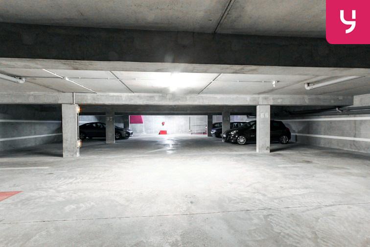 Le parking est lumineux et bien entretenu